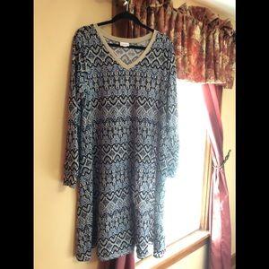 LuLaRoe long sleeved Emily Dress